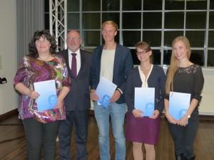 GAFF Preisträger 2015 - v.l.n.r. Jutta Schwitzner, der Vorsitzende der GAFF Prof. Dr. August Heuser, Benedikt Rikels, Caroline Schwarz, Beate Meyer-Eppler web