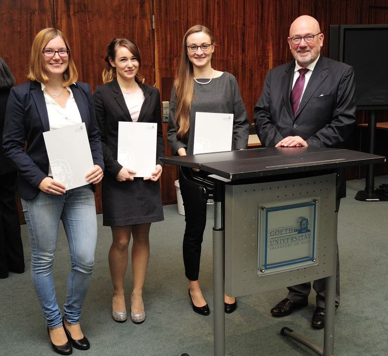 GAFF-Preisträger 2016 v.l.n.r. Melanie Maikranz, Marie-Luise Müller-Kessler, Anna-Lena Meininger, der Vorsitzende der GAFF Prof. Dr. August Heuser